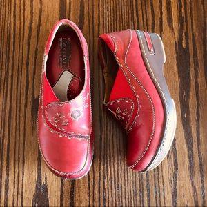 Spring Step L'Artiste Red Burbank Size 38/8